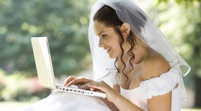 Wedding Shopping Online 101 – What Every Bride in Canada Must Know to Save Money!
