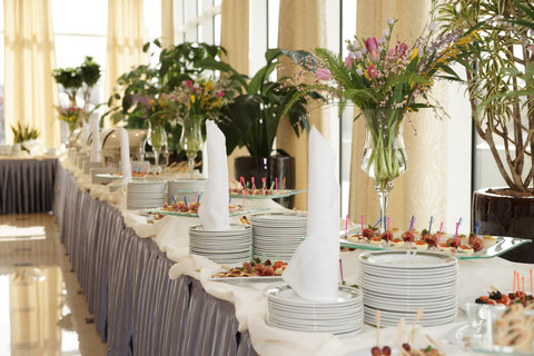 5 Questions When Choosing Food & Catering for Your Wedding Reception