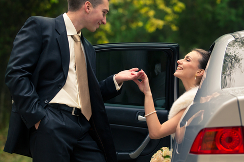 Wedding Day Limos & Transportation: Ideas on Budget and Style!
